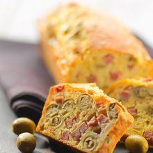 Cake salé jambon olives