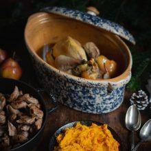 Pintade farcie, knepfle à la farine de châtaigne et purée de potimarron
